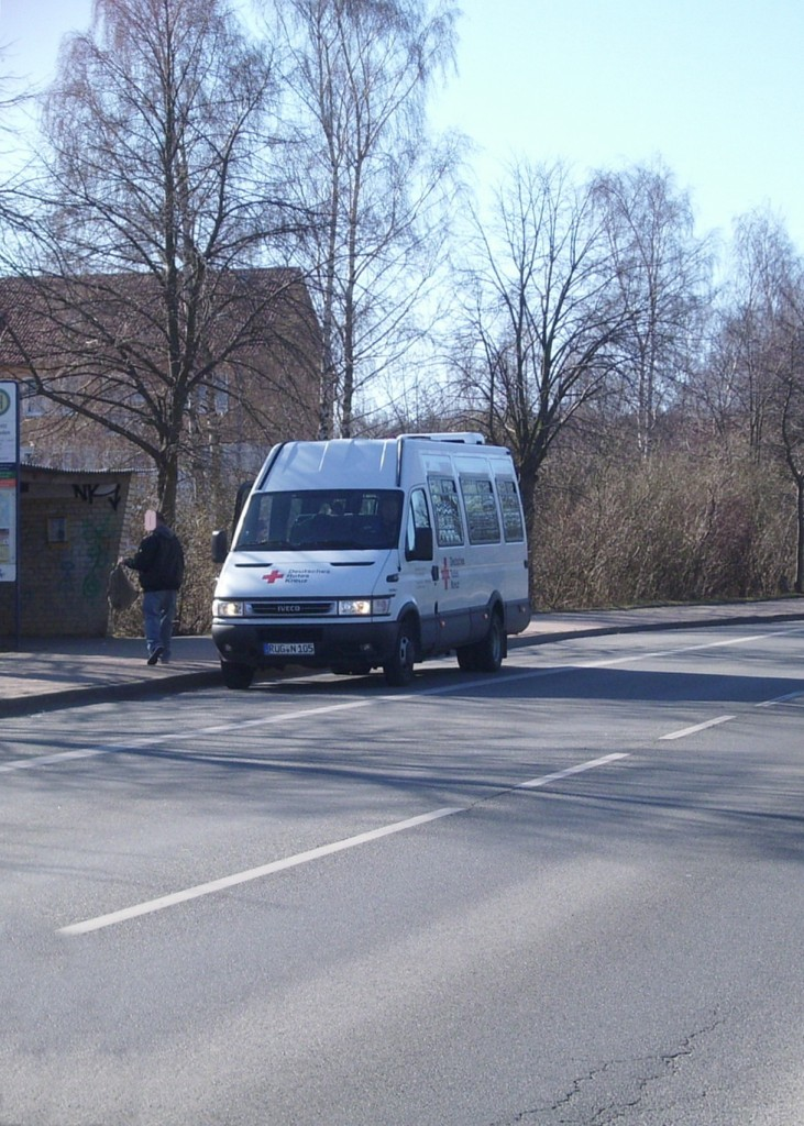 Iveco Daily Bus des DRK in Sassnitz.