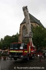TMF/129941/feuerwehr-dortmund--florian-dortmund-5361--do Feuerwehr Dortmund- Florian Dortmund 5/36/1- DO 2533- Teleskopmast- MB Actros- Aufgenommen beim Stadtfeuerwehrtag in der Dortmunder Innenstadt am 12.6.2010.